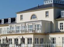 lakeside manor care home