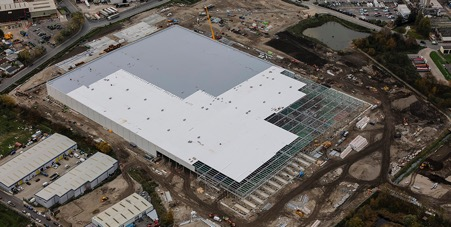 Ocado Distribution Centre, Erith. 48,000m2 reroofed in 4 months