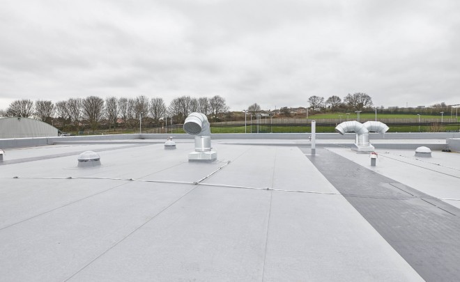 7 Flat Roofing Challenges for Main Contractors – Why Take a Partnership Approach?